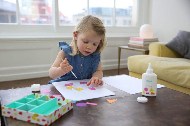 Selfcare: Alleine spielen ist gut für Kind und Eltern