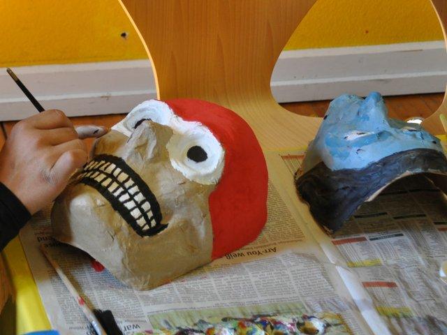 Süßen oder Saures - Maskenwerkstatt