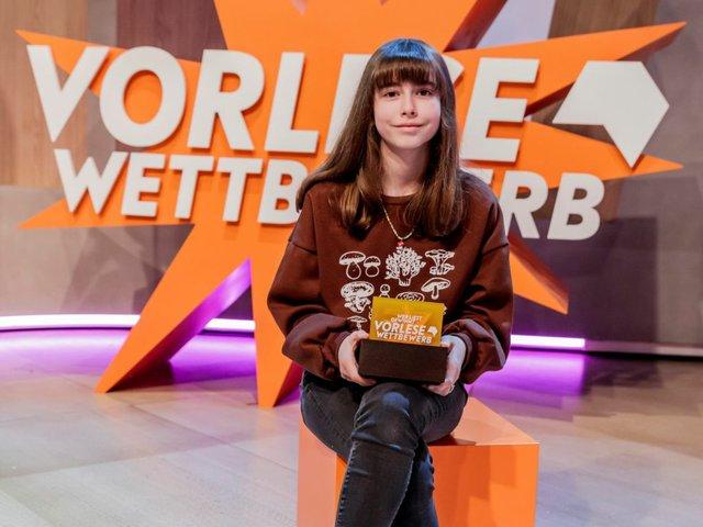Lucie Mathias, Siegerin beim 62. Vorlesewettbewerb des Buchhandels